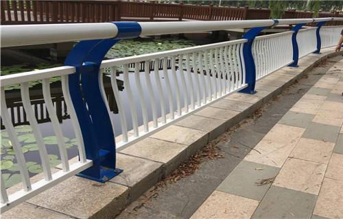 山西运城304不锈钢桥梁护栏质量保证-聊城亮洁护栏