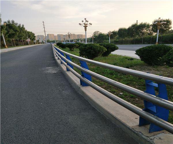 吉林延边q345b桥梁防撞护栏厂家直销-亮洁防撞护栏